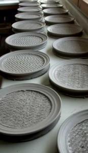 Jomon plates